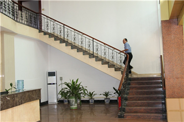 办公室一楼大厅